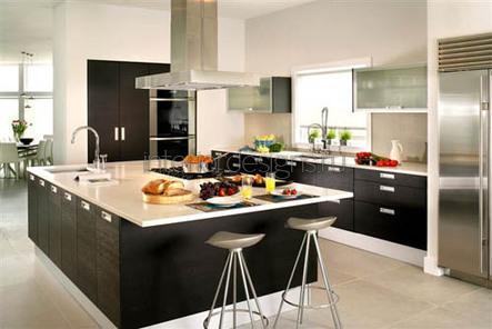 проект большого кухонного помещения