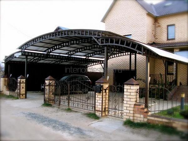 сооружение крыльца из поликарбоната