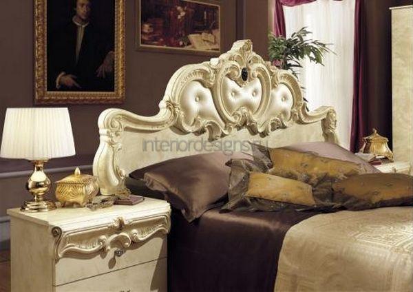 тумбочки в роскошном интерьере спальни