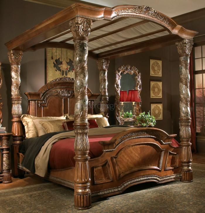 интерьер спальни с роскошной кроватью