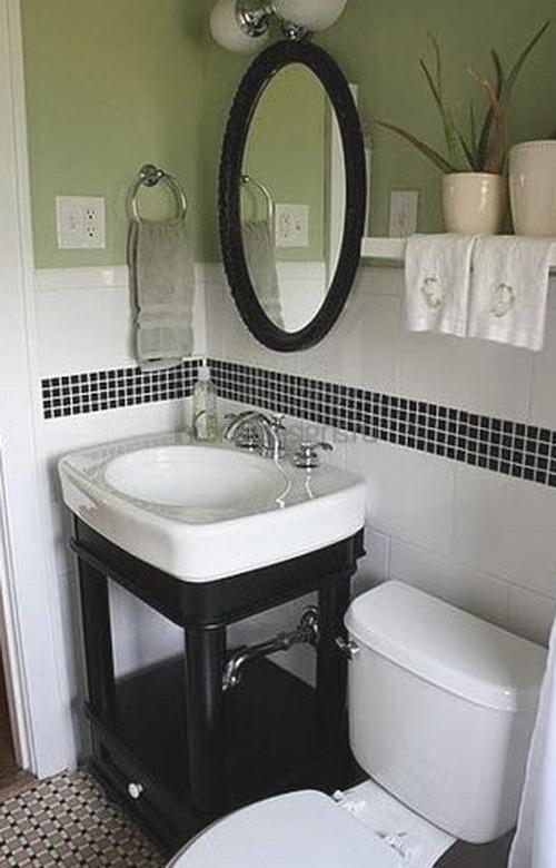 большущее зеркало в дизайне ванной в хрущевке