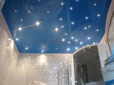 оформление потолка в ванной