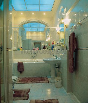 оформление узкой ванной комнаты