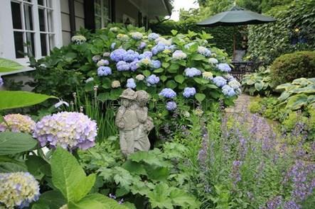 садовая скульптура на приусадебной территории