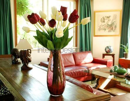 украшение дома искусственными цветами