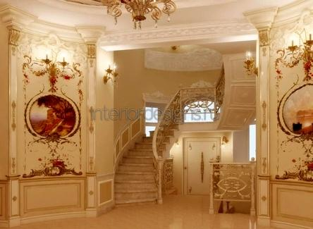 роскошный холл в загородном доме
