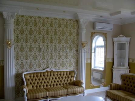 классическое украшение стен в доме