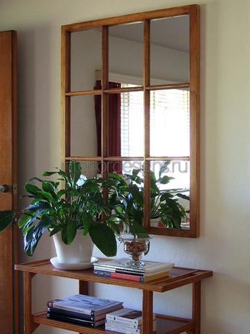 зеркальное окно в комнате