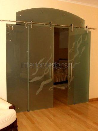 стеклянные раздвижные двери в квартире