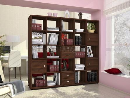 книжный шкаф в комнате