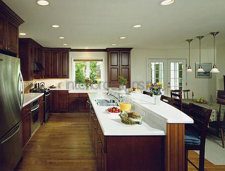 двухсекционный кухонный островок
