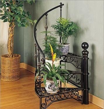 металлическая подставка для растений