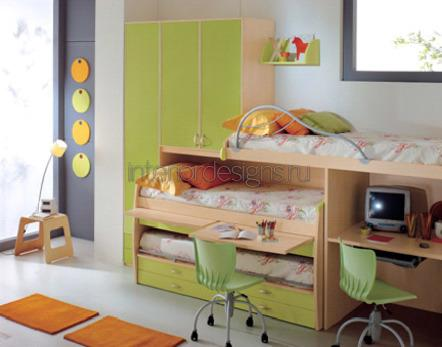 компактная мебель в комнате ребенка