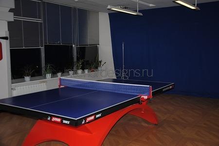 стол для пинг-понга в офисе