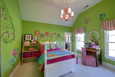 комната ребенка в зеленых тонах