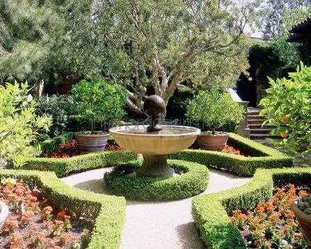 садовый участок в регулярном стиле
