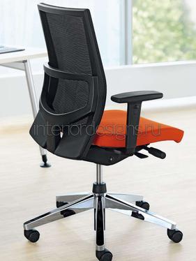 функциональное кресло для офиса