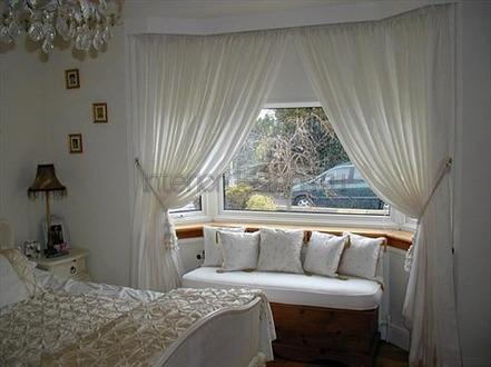 комната в белом цвете