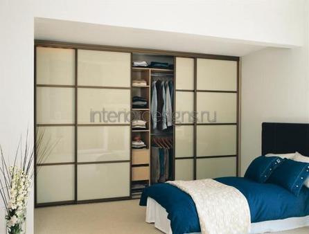красивый дизайн спальни с гардеробной