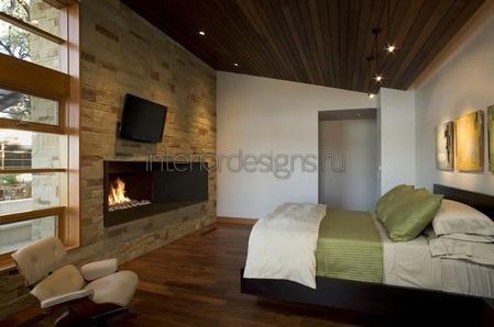 деревянный пол в комнате
