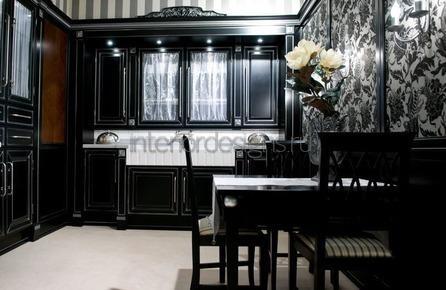 черная мебель в квартире