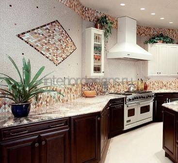 эффектный дизайн стен на кухне