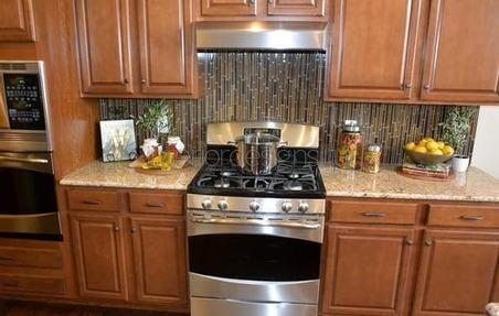 Плита газовая в интерьере кухни