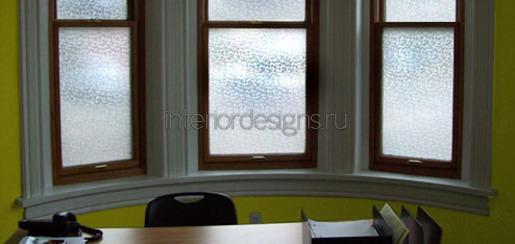 матовые стекла в комнате
