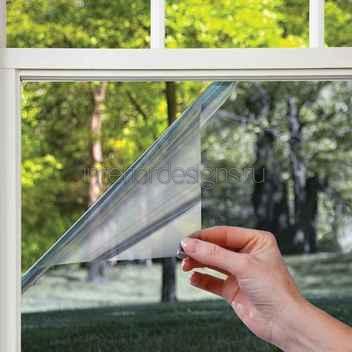 нанесение защитной пленки на окно
