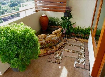 декоративный фонтан на балконе