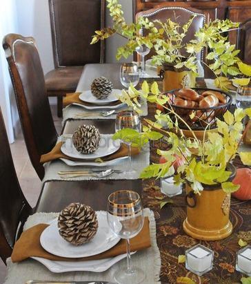 декоративные шишки на тарелках